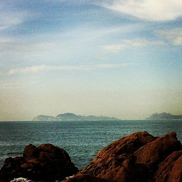 Iles de Cies. (Im Dunst) #vigo #spain #buenasdias #atlantic