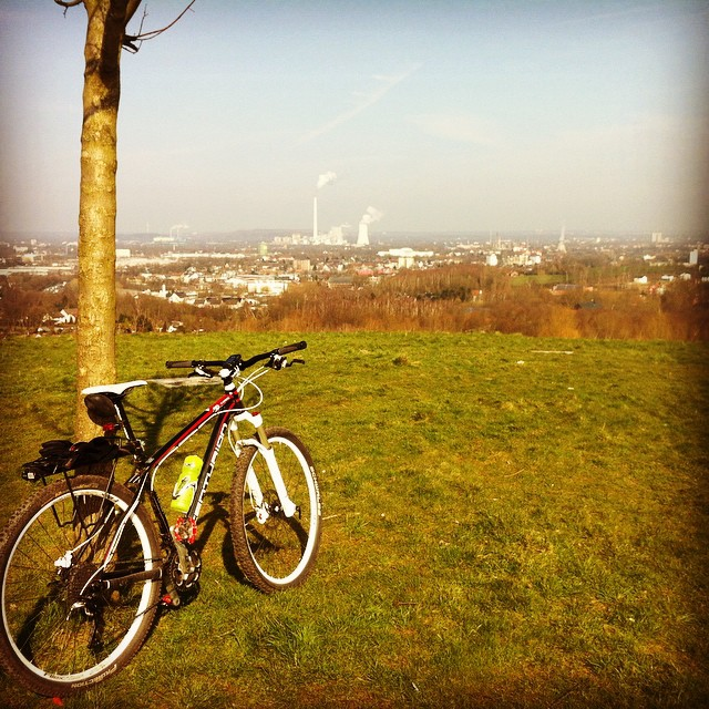 Ruhrpott live. #ruhrpott #bike #bochum #tippelsberg #igersmtb #stravaphoto