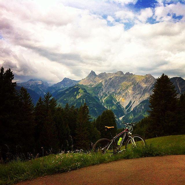 Der Zimba. Auch als Matterhorn des Montafon bezeichnet. #biking #bike #montafon #landscape