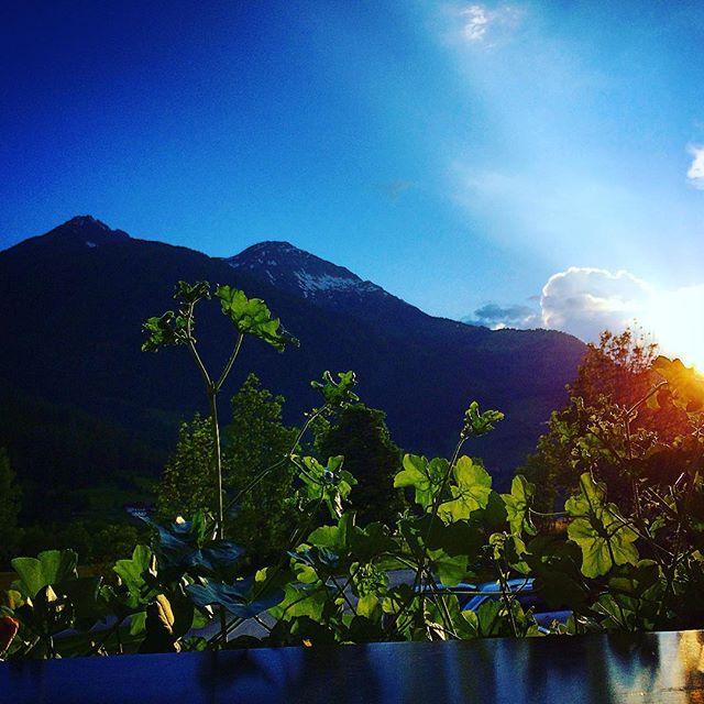 Abendsonne genießen . #eveningsun #balkony #ilovetravel #austria #tauern #igersaustria #virgental
